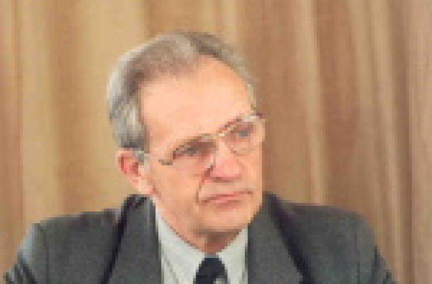 In Memoriam Harry Heinrichsen