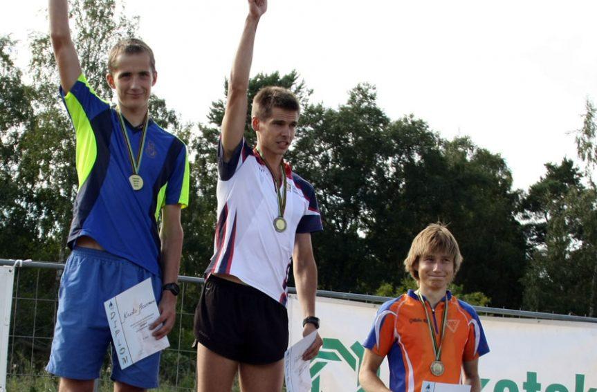 Tallinna Botaanikaaias sprintis üle 300 orienteerumissõbra